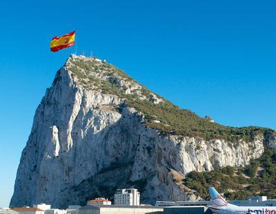 España lleva troleando una encuesta británica sobre Gibraltar desde 2013