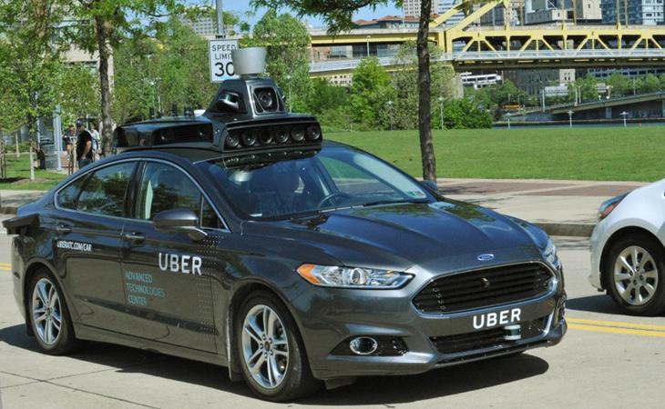 Uber afirma que tan solo actúa como intermediario entre clientes y conductores