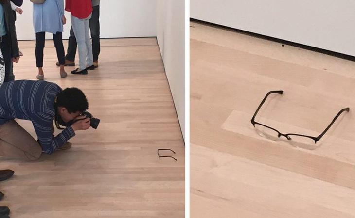 Pensaron que unas gafas en el suelo era arte moderno