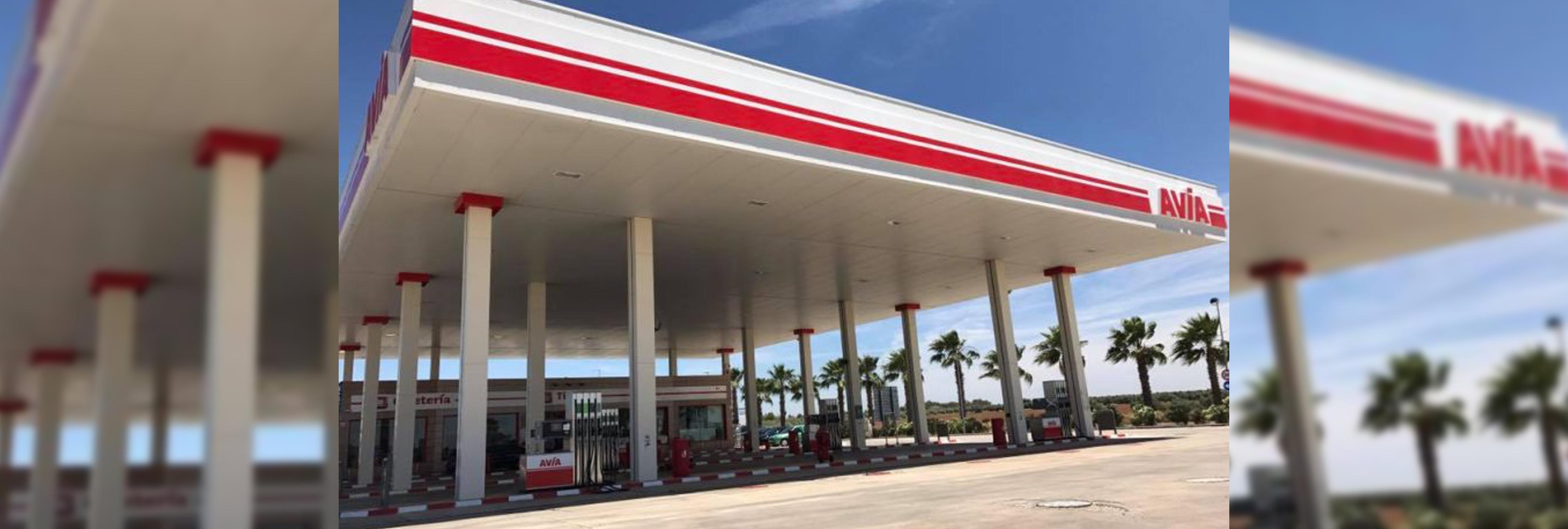 Machismo: Despiden a seis dependientas de una gasolinera por negarse a llevar minifalda