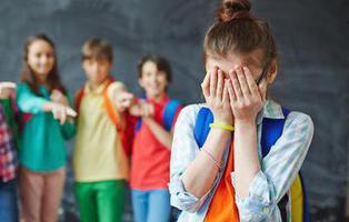 Suspendida una profesora que ejercía bullying a través de Facebook contra una alumna menor de edad