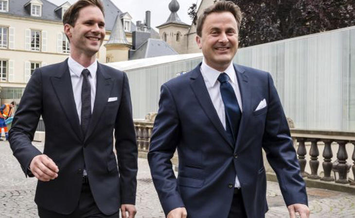 Gauthier Destenay, junto a su marido, el primero ministro de Luxemburgo,Xavier Bettel