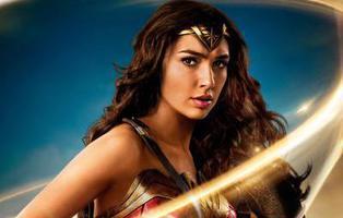 Lanzan un pase de 'Wonder Woman' sólo para mujeres y algunos hombres estallan