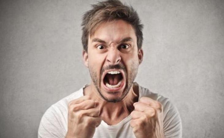 Las personas tóxicas acostumbran a tener envidia insana antes que a alegrarse por los logros de los demás