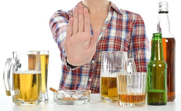 La mayoría de las técnicas consideran que hay que permanecer abstemio durante el resto de la vida para no recaer en la adicción al alcohol