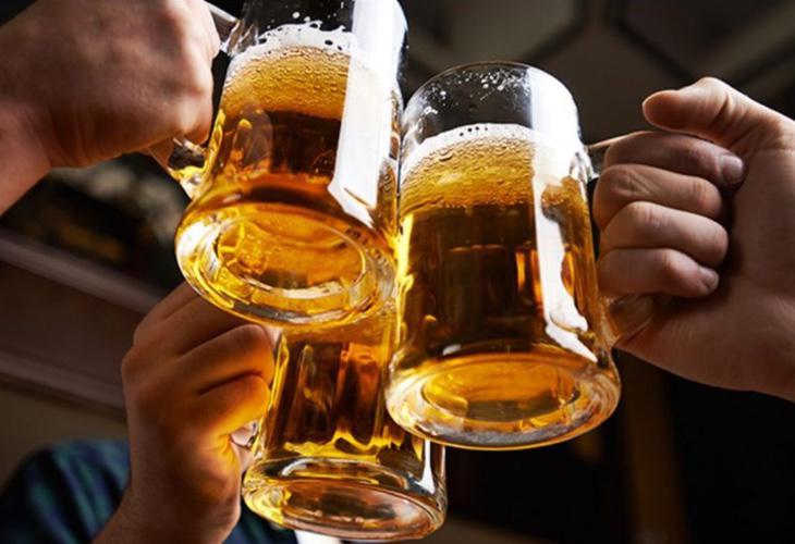 Resultado de imagen de beber alcohol