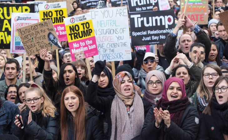 Protesta eb contra del veto migratorio del presidente Donald Trump