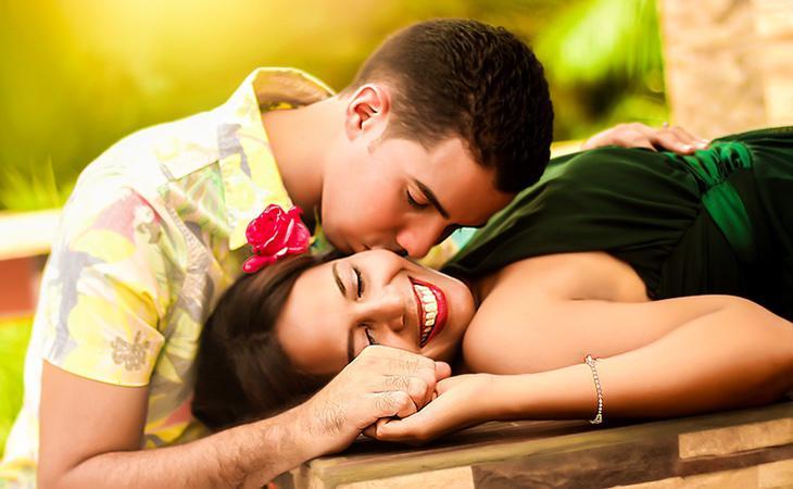 Los beneficios del beso son innumerables