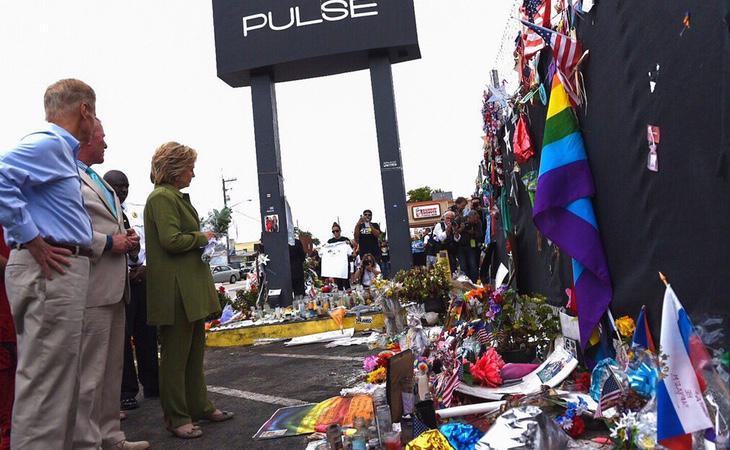 Hillary Clinton, en el homenaje a las víctimas de Orlando