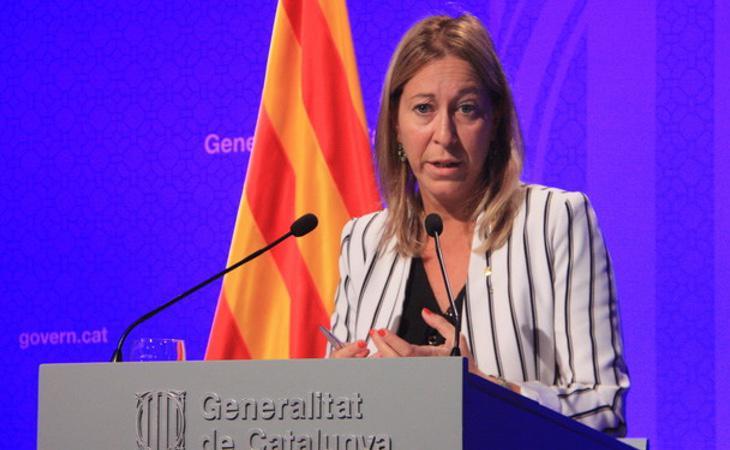 La Consejera de Presidencia, Neus Munté, ha informado de la medida a los medios