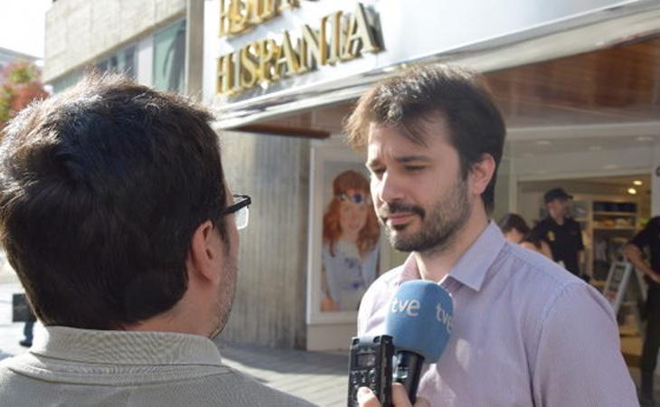 El diputado de Podemos, Javier Sánchez Serna, fue sancionado durante la concentración por no portar el DNI