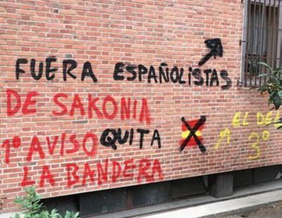"""Amenazan a un vecino de Madrid por colgar una bandera de España: """"Si fuera de Palestina, no pasaría nada"""""""