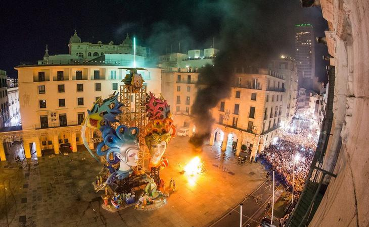 Alicante es una de las ciudades que celebra de manera más especial esta jornada