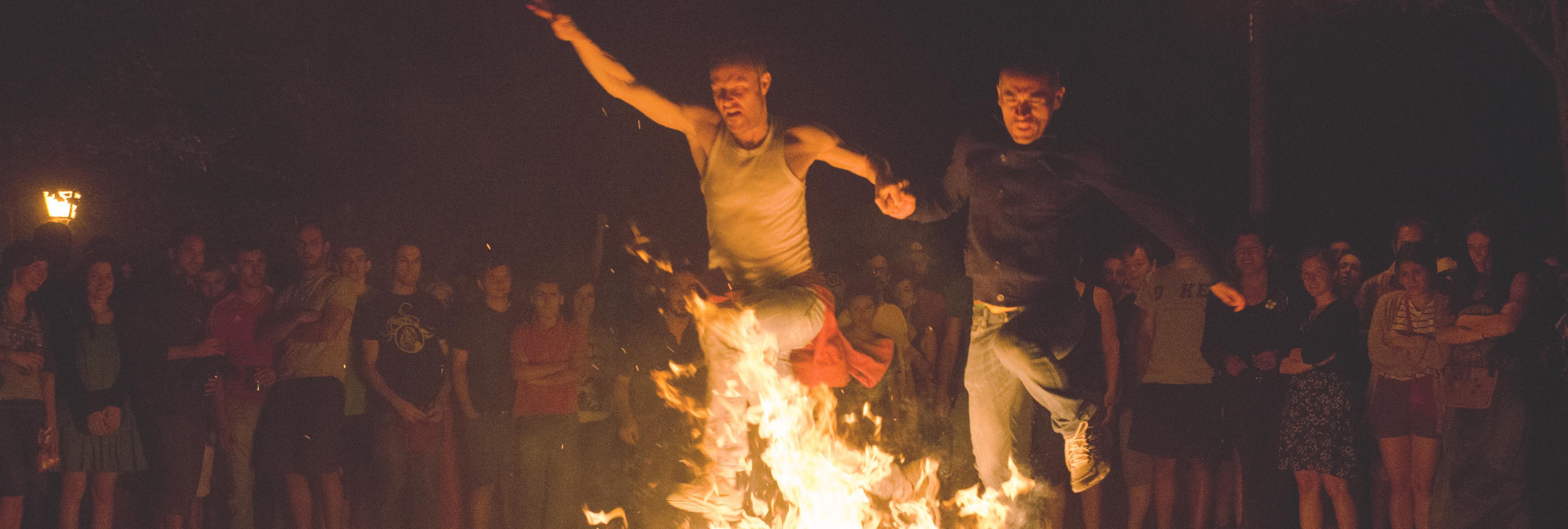 Noche de San Juan: Los mejores rituales para asegurar la suerte en esta noche mágica