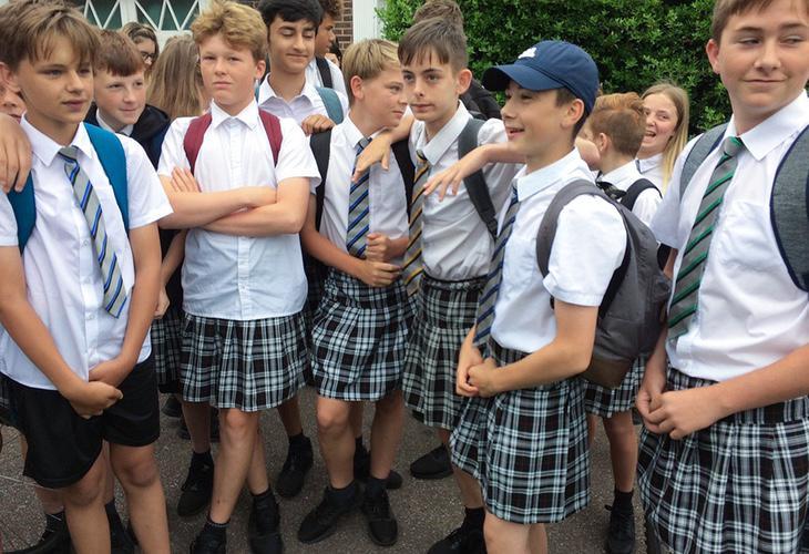 Los alumnos de este colegio se han quejado d ela imposición de los uniformes