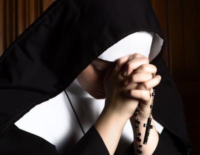 """Un hombre rompe la nariz a una religiosa de 55 años """"por monja"""""""