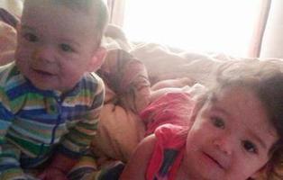 Una madre encierra a sus dos hijos en el coche para castigarlos y mueren de calor