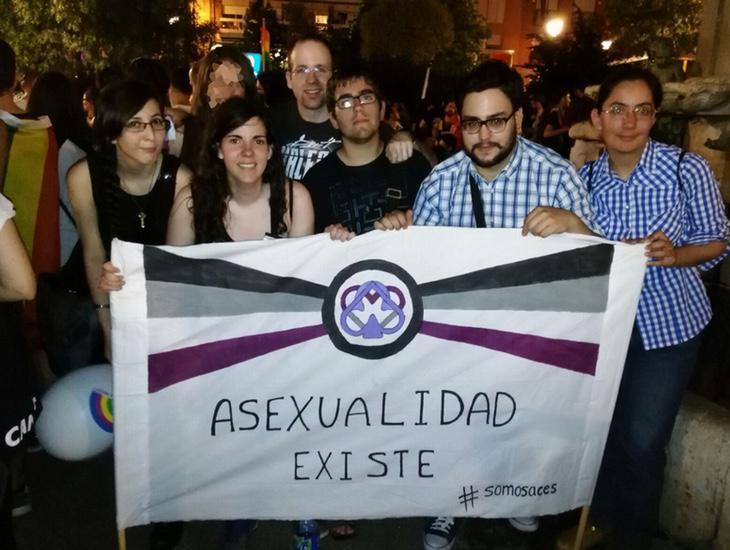 El Orgullo Crítico intenta que ningún colectivo se vea discriminado en las reivindicaciones (Asexual Community España)