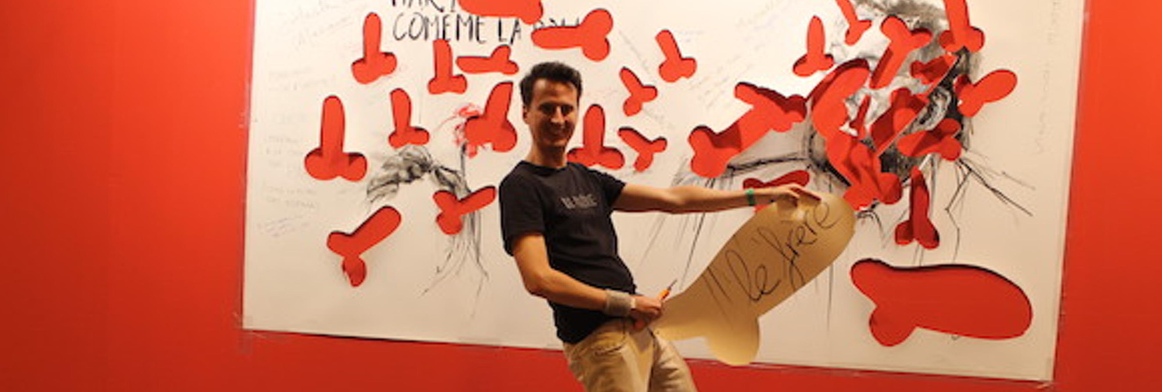 Crea un mural llamado 'Mariano, cómeme la polla' y se lía muy parda