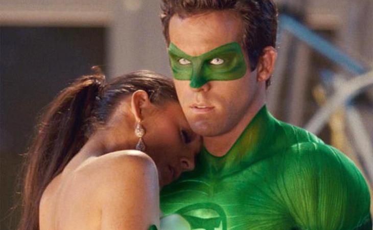 En el cine de superhéroes, las mujeres son salvadas por los hombres