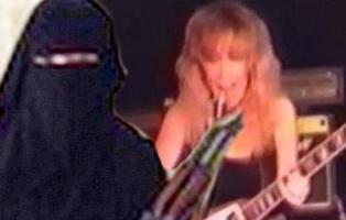 Una estrella del rock británica se arrepiente de unirse al Daesh con su hijo y quiere volver a Europa