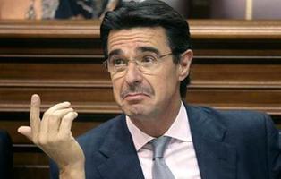 El exministro Soria tiene 14 agentes de Policía a su completo servicio más de un año después de dimitir