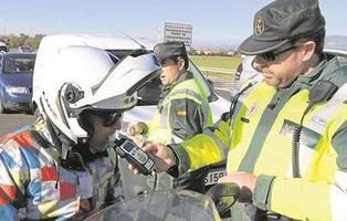 """Prisión para un motorista borracho por enseñar sus genitales a un policía y decirle: """"Sople"""""""