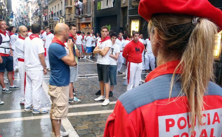 Las denuncias por agresiones sexuales siguen empañando los Sanfermines a pesar de la intensa campaña de concienciación por parte de las autoridades