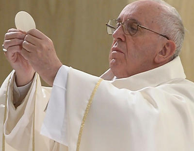 El Vaticano prohíbe las hostias sin gluten
