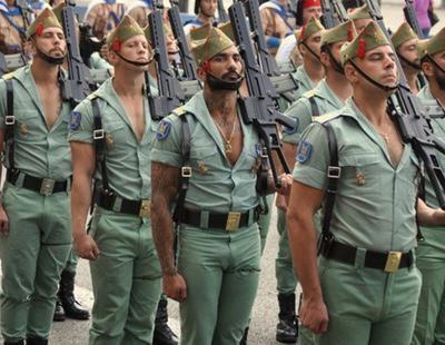 Twitter arde ante el 'sexapil' de los legionarios españoles