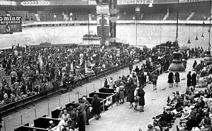 Las autoridades retuvieron a miles de judíos en el Velódromo con el fin de enviarlos a los campos de exterminio de Europa