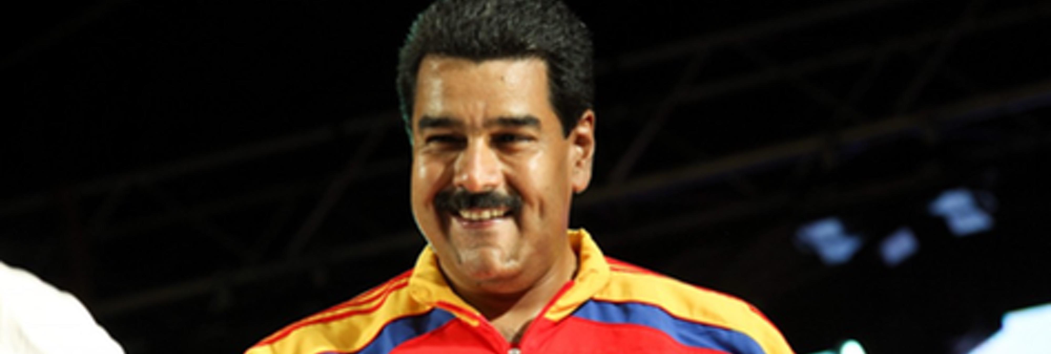 Maduro versiona 'Despacito' para llamar al voto y sus autores estallan