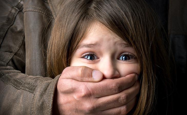 La niña sufría todo tipo de abusos por parte de su hermano