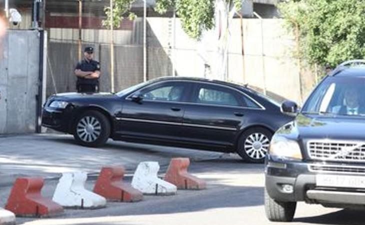 Mariano Rajoy ha llegado a la Audiencia Nacional en coche oficial ocultándose de los periodistas y entre grandes medidas de seguridad