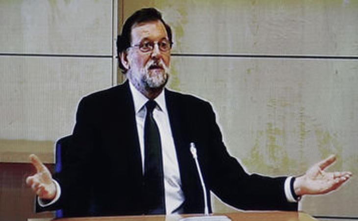La fiscal pregunta a Rajoy si cobró sobresueldos: 'Jamás, sería ilegal'