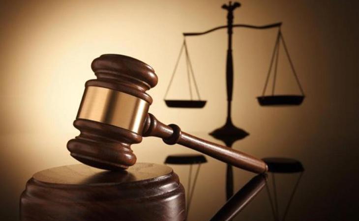 Las autoridades han señalado a seis de los acusados por un posible delito de distribución de pornografía infantil