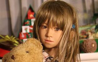 Estudian regalar muñecas sexuales infantiles para pederastas para evitar ataques a niños