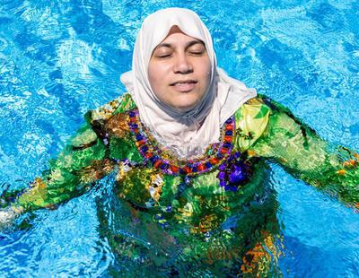 Una piscina francesa expulsa y exige los gastos de desinfección a una mujer con burkini