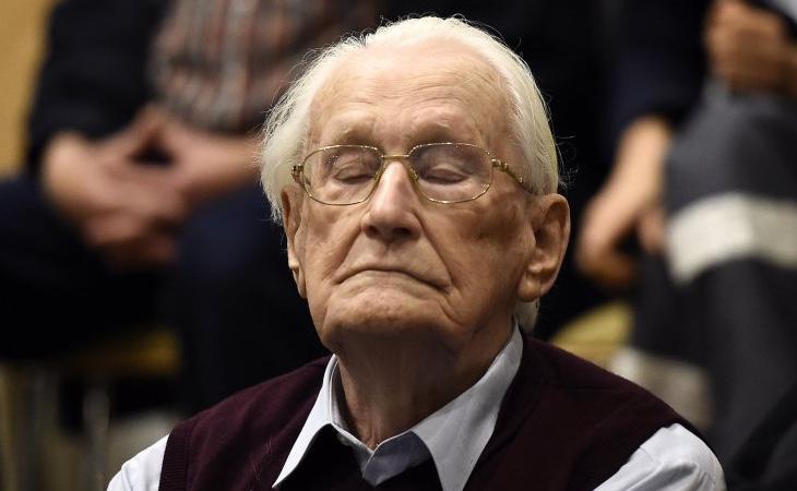 El acusado afirma que se arrepiente de haber colaborado en 300.000 asesinatos
