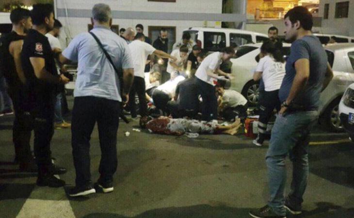 El agresor apuñaló al agente de Policía hasta la muerte