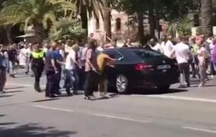 Varios taxistas propinan una paliza a un conductor de Cabify en Málaga