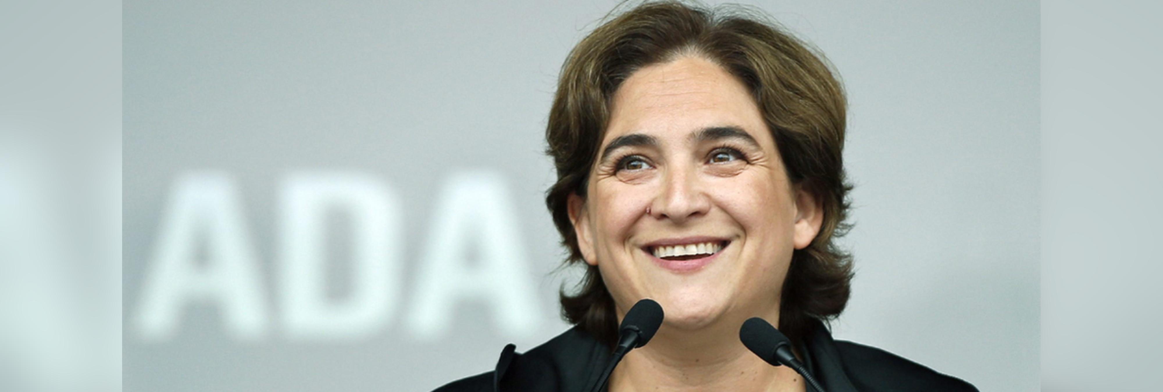 Ada Colau se gasta 18.000 euros en 30 sillas