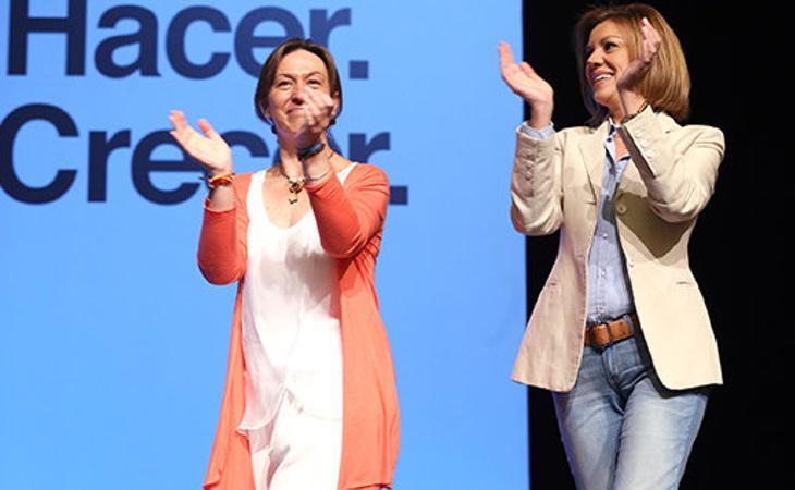 Ana Guarinos junto a la líder del PP regional, María Dolores de Cospedal