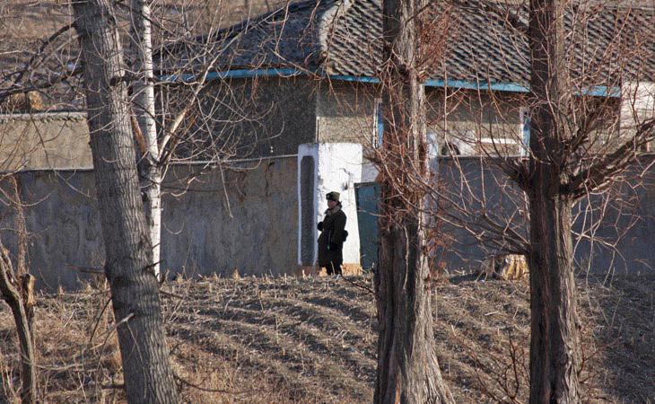 La Policía tiene orden de disparar a matar para quien cruza el río Yalu e intenta escapar a China