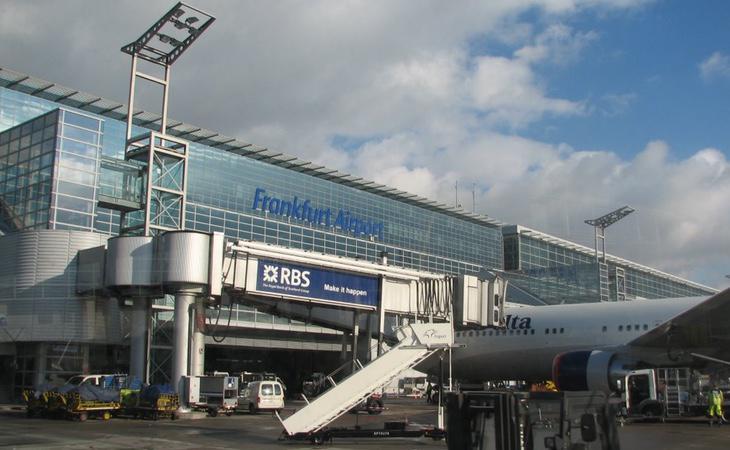 El aeropuerto de Frankfurt ha recibido un ataque con gas lacrimógeno