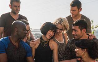 Una web porno quiere producir la tercera temporada de 'Sense8'