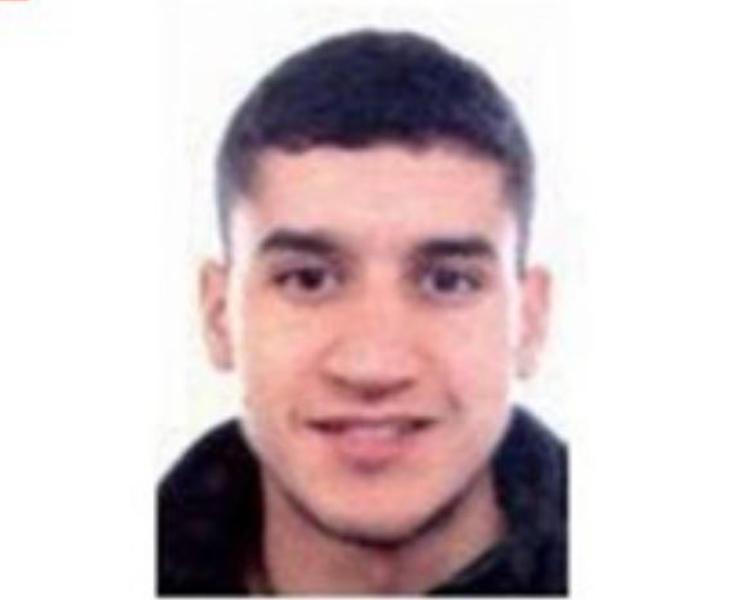Los Mossos abaten al autor del atentado de Barcelona, que portaba  falsos explosivos