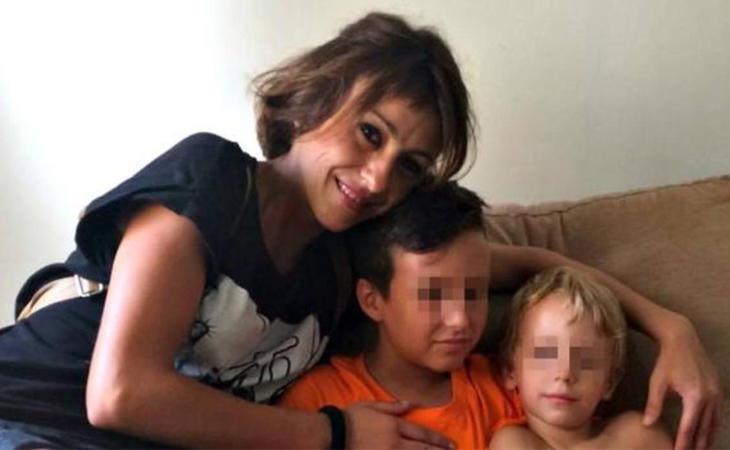 Juana Rivas junto a sus hijos, que deberá entregar a su marido maltratador