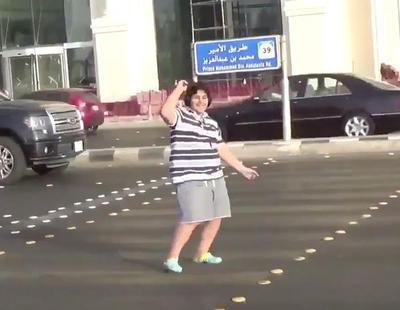 Detenido un joven en Arabia Saudí por bailar 'La Macarena' y subirlo a Twitter
