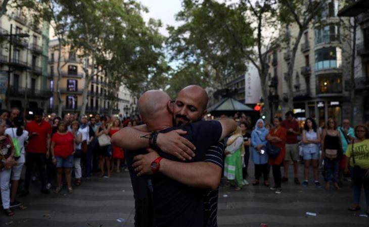 Abrazos como símbolo de paz
